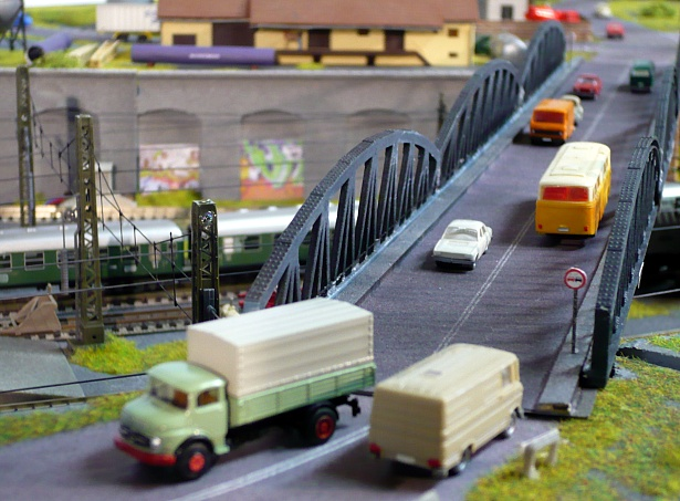 Model train bridges
