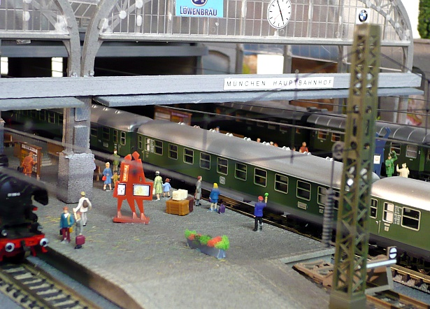 Model trains in N scale